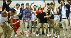 One Direction and Justice Crew in the same picture. I CAN'T.
