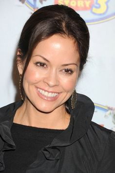 Brooke Burke Charvet hairstyles: Casual vs. curly