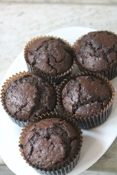 I love baking muffins, not only they are delicious. But they are a breeze to make. You just measure few ingredients and dump them into. Eggless Chocolate Muffins Recipe, Eggless Muffins, Eggless Desserts, Eggless Recipes, Eggless Baking, Baking Muffins, Chocolate Chip Muffins, Donut Recipes, Muffin Recipes