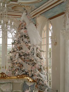 beautifully decorated French style holiday decor.