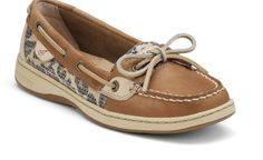 I love these Sperry's. They kind of remind of Tony Danza circa early 90s. Yanno? When guys wore these with kakhi shorts? ;)
