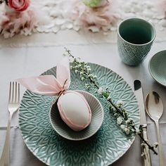 Osterdeko in Pastell, mit einer Serviette lässt sich dieser süße Osterhase falten | craftroomstories.com
