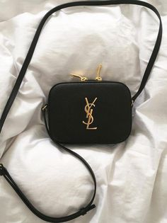 10 Best Yves Saint Laurent Clutch images  e05a6ad542c90