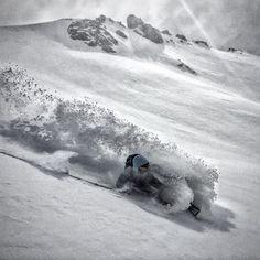 Deep powder in @baguales_patagonia #southlines by @millan_adria ----------------------------------------------@atomicski @fordspain @val_daran @thenorthface @gopro @absairbag @suunto @fixe.climb @wdxwindxtreme ----------------------------------------------#mountains #mountain #magic  #magicmoments #magicmountain #winter #winterisback #photooftheday #photo #powder  #pow #montaña #fresh #freeride #freeriding #top #sun #sunyday #ski #snow #cold #ligths #argentina #southamerica  #filming #summer