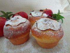 Sú to vlastne buchty pečene v muffinovej forme, plnené dusenými jablkami a ozdobené plátkom jablka.