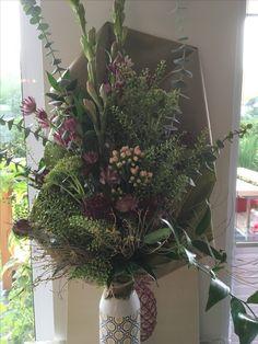 Blumenstrauß locker gebunden