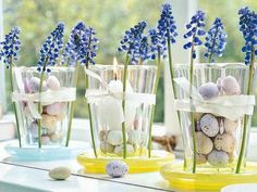 Easter egg decorating ideas to decorate your Easter table with colored eggs, flowers, candles, and many other ideas. Candle Centerpieces, Wedding Centerpieces, Candles, Centrepieces, Wedding Decorations, Ostern Party, Easter Table Decorations, Easter Decor, Easter Ideas