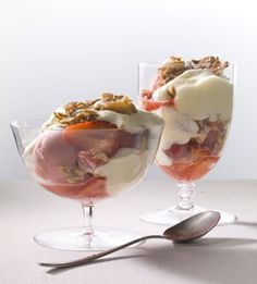 Live Your Best Life with These Ice Cream Sundae Recipes - Bon Appétit Strawberry Sundae with Prosecco Frozen Desserts, Summer Desserts, Just Desserts, Delicious Desserts, Summer Treats, Frozen Treats, Strawberry Sundae, Strawberry Recipes