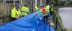 Environment Agency tests new temporary flood barriers in Kendal http://www.cumbriacrack.com/wp-content/uploads/2017/07/IMG_0029.jpg Today (Thursday 20 July 2017), Environment Agency teams are conducting an exercise in Kendal, to test the deployment of temporary flood barriers    http://www.cumbriacrack.com/2017/07/20/environment-agency-tests-new-temporary-flood-barriers-kendal/