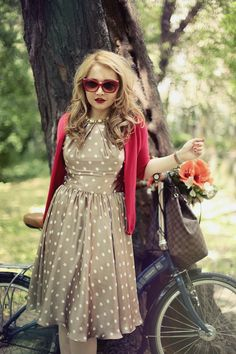 Retro Pin up Beauty and the bike - Vintage Street Style