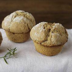 Roggenbrot-Muffins mit Rosmarin und Knoblauch