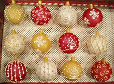 Elegant Christmas Cupcakes | Hello Bally-wood by ~christmas-cupcakes on deviantART