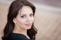Realtor-shoulder-head-shot-alisha-bacon-photography-professional-Knoxville-portrait.jpg