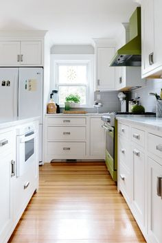 Before and After: A '90s Colonial Kitchen Gets a Contemporary Spin | Apartment Therapy