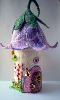 little felt fairy house - I LOVE this!