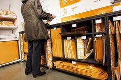 Posti ulkoistaa roimasti palvelujaan kauppoihin