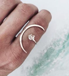 Stunning ring inspo...to the moon and back ✨ #rimesworld awsome work by @jamesmichelle