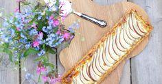 French pear pie with blue cheese is perfect for kicking off the Christmas season! Ranskalainen piirakka on tyylikäs tarjottava ja loistava herkku vaikka glögikauden avaukseen!