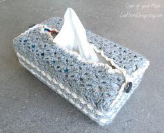 """Hülle für Kosmetikbox """"Keltischer Knoten"""", Bezug für Taschentuchbox, Feuchttücher, Tissue Box, gehäkelt, grau, weiss (Auf Bestellung)"""
