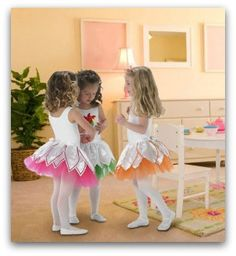 I need to copy this one. Ballerina Tutu - This ballerina outfit is sure to make any little girl feel like dancing! Sewing Projects For Kids, Sewing For Kids, Baby Sewing, Free Sewing, Ballerina Tutu, Diy Ballerina Costume, Baby Halloween Costumes, Baby Costumes, Diy Halloween