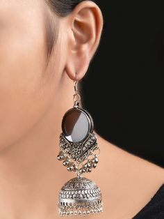 Stylish and fashionable.It suits very well with sarees & modern dresses Indian Jewelry Earrings, Indian Jewelry Sets, Jewelry Design Earrings, Gold Earrings Designs, Silver Jewellery Indian, Indian Wedding Jewelry, Stylish Jewelry, Cute Jewelry, Fashion Jewelry