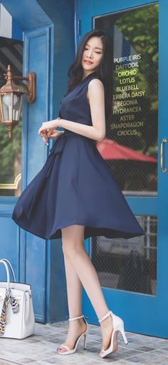 Korean Fashion Work, Asian Fashion, Girl Fashion, Womens Fashion, Fashion Poses, Fashion Dresses, Asian Woman, Asian Girl, Pretty Asian