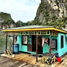 Fisherman's floating house in Halong Bay Vietnam. Cat Ba Island, Hanoi Vietnam, Floating House, Southeast Asia, Insta Pic, Street Photography, Architecture Design, Cabin, Architects