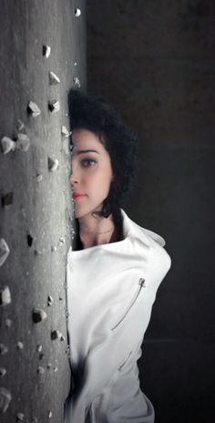 Ron Mueck-inspired 'Cheerleader' Music Video by St.Vincent / http://www.yatzer.com/Cheerleader-St-Vincent-ron-mueck