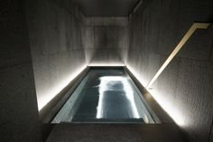 W Away Spa Amsterdam - Whirlpool Designed by: BK Architects Engineered and built by: 4SeasonsSpa