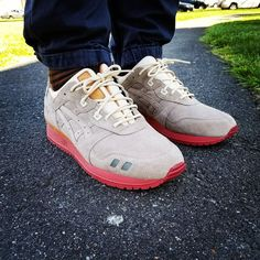 Oh shit #grails on today.... Packer  Asics #onfeet #wyk #kotd #cellphonerunners #onfeet #thecamp0ut #fightthehype #igsneakers #igsneakercommunity #djdelz #sneakers #packershoes #myasics #asicsgallery #sneakerhead #solecollector #sneakerporn #firekicks #kicksonfire #nicekicks #runnergang by dustythewhale