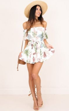 Showpo Rumoured Nights playsuit in white print - 16 (XXL) Rompers & Source by fustipeter juvenil Casual Summer Outfits, Outfits For Teens, Spring Outfits, Winter Outfits, Casual Dresses, Girl Outfits, Cute Outfits, Fashion Outfits, Fashion Trends