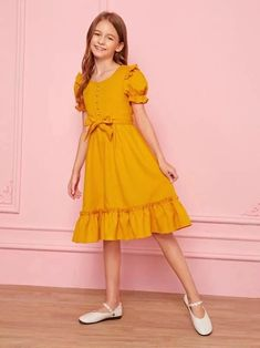 Teenage Girl Outfits, Kids Outfits, Little Girl Dresses, Girls Dresses, Baby Dress Design, Frocks For Girls, Cute Comfy Outfits, Sweetheart Dress, Modest Dresses