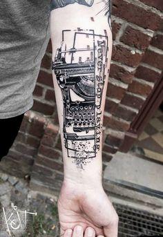 Typewriter by KOit tattoo Berlin Graphic style tattoo / black ink Best Sleeve Tattoos, Body Art Tattoos, New Tattoos, Tattoos For Guys, Future Tattoos, Tattoo Art, Tatoos, Typewriter Tattoo, Germany Tattoo