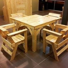 Card Table And Chairs - Made From Pallets | A Little Bit of This, That, and Everything
