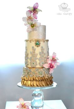 Elegant Indian Wedding cake with gold flair | Cake Therapy PR