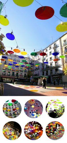 Finalista: confeti de Sergio Sebastian Franco A colourful landscape created by suspended discs