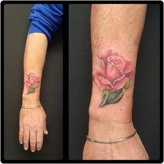 Realistic tattoo #flower tattoo #rose tattoo cover up tattoo #montebelluna tattoo #castelfranco tattoo #venteo tattoo #carlofuertetattoo