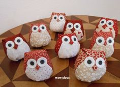 Petites chouettes Bricolage Halloween, Halloween Diy, Xmas Crafts, Diy And Crafts, Bbq Apron, Owl Fabric, Grilling Gifts, Kirigami, Pin Cushions