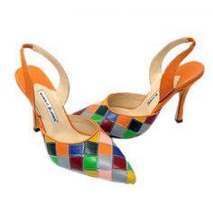 Manolo Blahnik Colorful Slingback bombas is very popular with the ladies in the world by its delicate design and high quality. This shoes are very fashionable by its pointed toe and slingback design. You will be more attractive when you wear them.