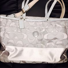Beautiful  Authentic Coach Diaper Bag, EUC Check it out all my sexy mamas!  Great condition. Smoke-free home.  I will consider all reasonable offers. Coach Bags Baby Bags