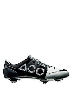 "Soccer Shoe ""Green Speed Concept II"" by Nike  #soccer #football #engelhorn  www.sports.engelhorn.de"