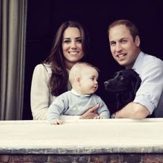 Royal Family Photo – See William, Kate & Prince George!