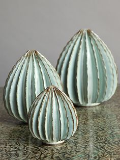 New York-based Bill Hudnut's Gorgeous, Organic Ceramics Organic Ceramics, Garden Totems, Ceramic Pottery, Decorative Accessories, Glaze, Objects, Porcelain, Shapes, Clay Ideas