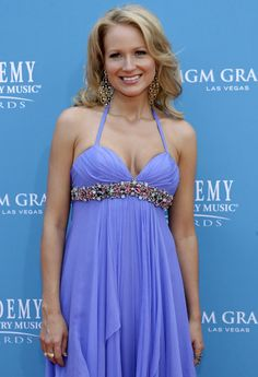 Jewel Fixed Trademark Bad Teeth For Movie Role: Worst Celebrity Smiles [PHOTOS] - International Business Times