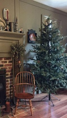 Superior COLONIAL DECORATING WITH GREENERY AND CITRUS AT CHRISTMAS. | Primitive/Colonial  Christmas♥ | Pinterest | Colonial Decorating, Early American And Colonial