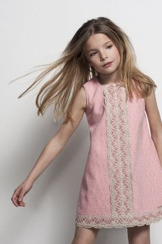 Pink is often the favorite colour of girls. or really they identify with it's delicacy and softened tones? Little Dresses, Little Girl Dresses, Cute Dresses, Girls Dresses, Little Girl Fashion, Kids Fashion, Moda Kids, Fashion Mode, Kid Styles