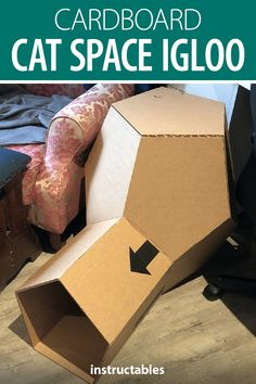 This fun cat space igloo is made from cardboard pieces. Cat House Diy, Animals For Kids, Animals Dog, Cat Enclosure, Outdoor Cats, Space Cat, Cat Treats, Cat Scratching, Here Kitty Kitty