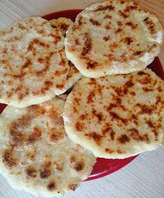 Turte cu cașcaval sau brânză Pancakes, Breakfast, Recipes, Food, Morning Coffee, Recipies, Essen, Pancake, Meals