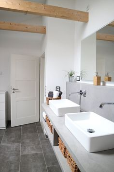 The bathroom is one of the most important parts of a house, yet, the most hard to decorate! Here are some bathroom inspirations to give you some ideas!