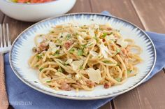 Slimming Eats Best Ever Syn Free Spaghetti Carbonara - gluten free, Slimming World and Weight Watchers friendly Slimming World Pasta Dishes, Slimming World Dinners, Slimming Eats, Slimming Recipes, Slimming Word, Pasta Recipes, Dinner Recipes, Cooking Recipes, Healthy Recipes